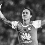 """El """"cardenal"""" sufre la dura lesión de Luis Manuel Seijas"""