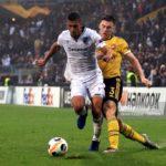 Víctor García volvió a ser titular en Europa League
