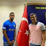 Gelmín Rivas tiene nuevo equipo en Turquía
