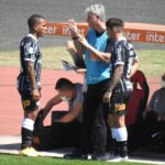 Rómulo Otero se estrenó con Corinthians
