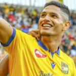 Eric Ramírez continúa sacudiendo redes en Eslovaquia